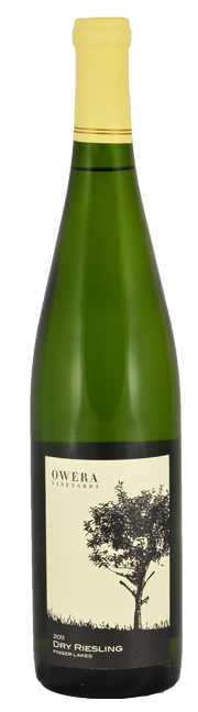 Dry Riesling 2017 bottle product shot